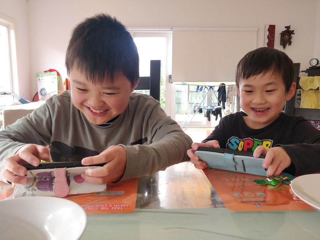 Liam and Isaac playing on Roblox after morning tea