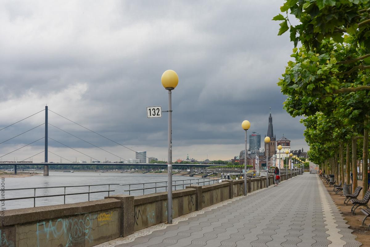 Duesseldorf-Rhein-(3)