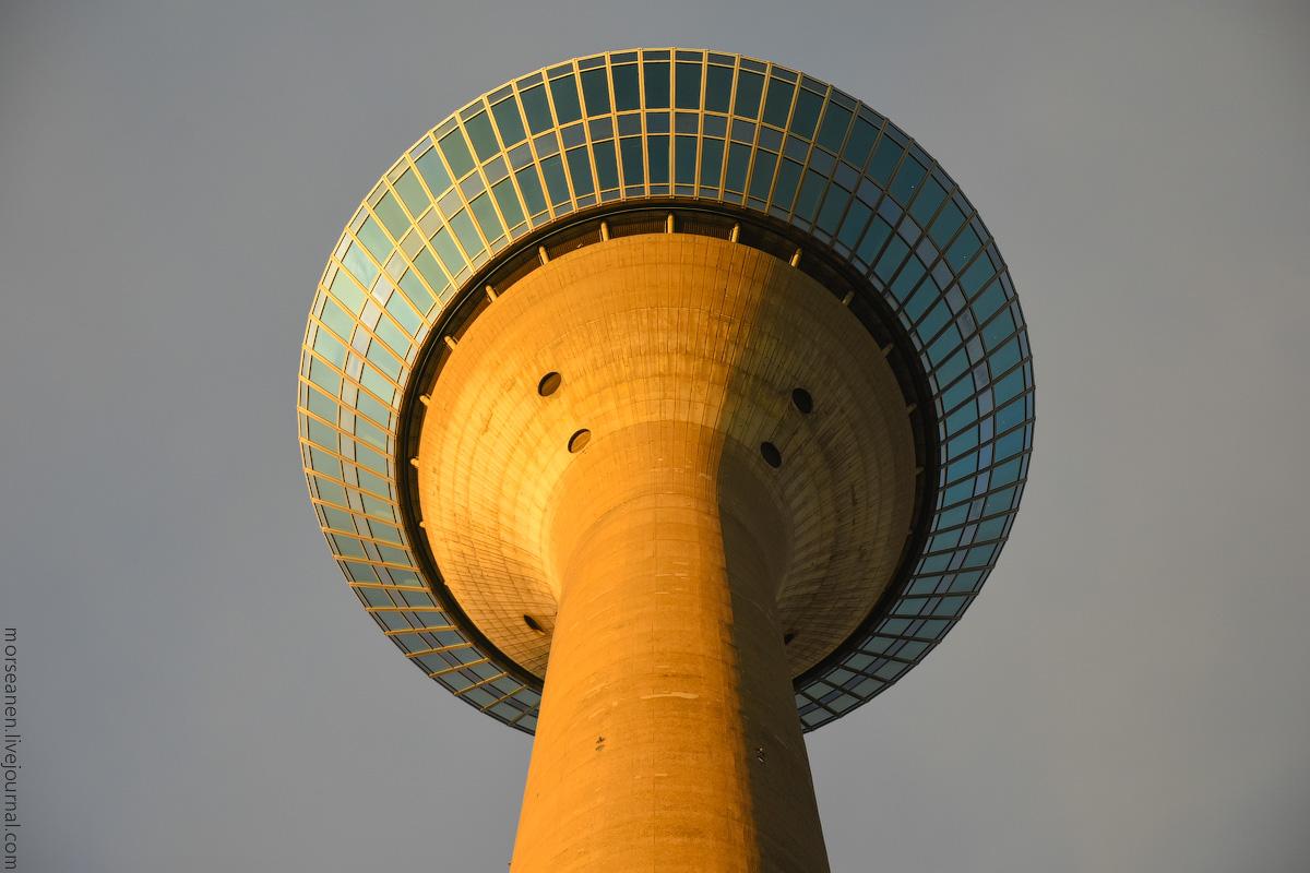 Duesseldorf-Mediahafen-(44)