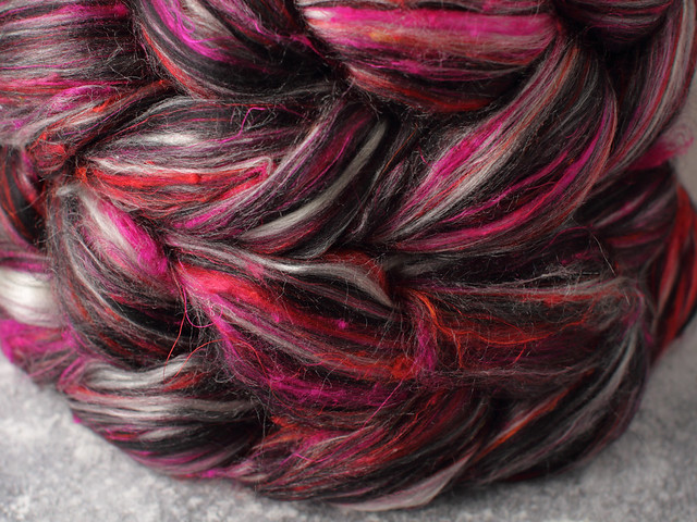Karma Blend Bamboo, Recycled Sari Silk and Mint eco friendly combed top/roving spinning fibre 100g – 'Temptress'