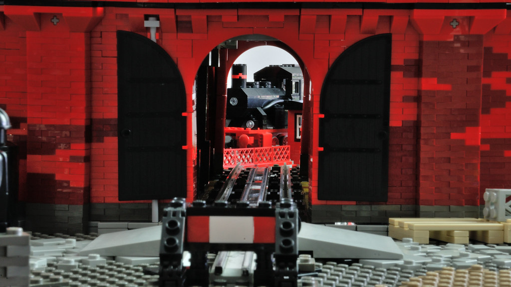 LEGO 12 V Roundhouse – back door view