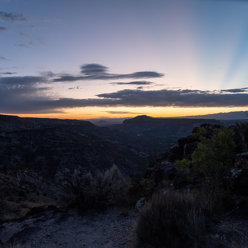sunrise whiterockoverlook whiterock losalamos newmexico konicahexanonar40mmf18 adaptedlens