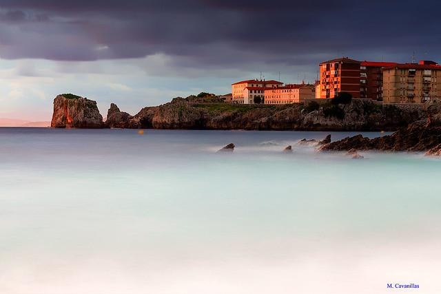 Edificios junto al mar