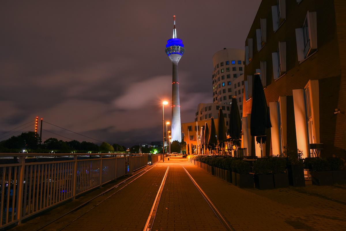 Duesseldorf-Mediahafen-(19)