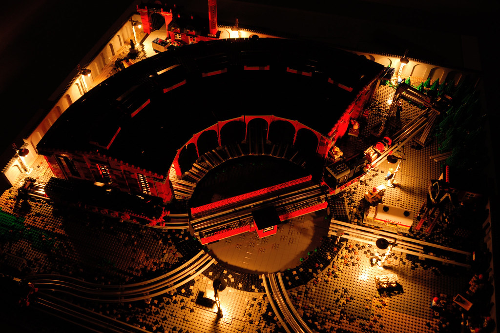 LEGO 12 V Roundhouse – full view at night
