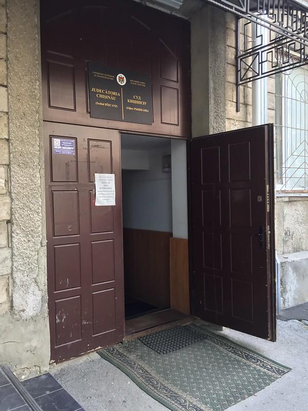 Sediul Rîșcani al Judecătoriei Chișinău nu este accesibil pentru persoanele cu dizabilități
