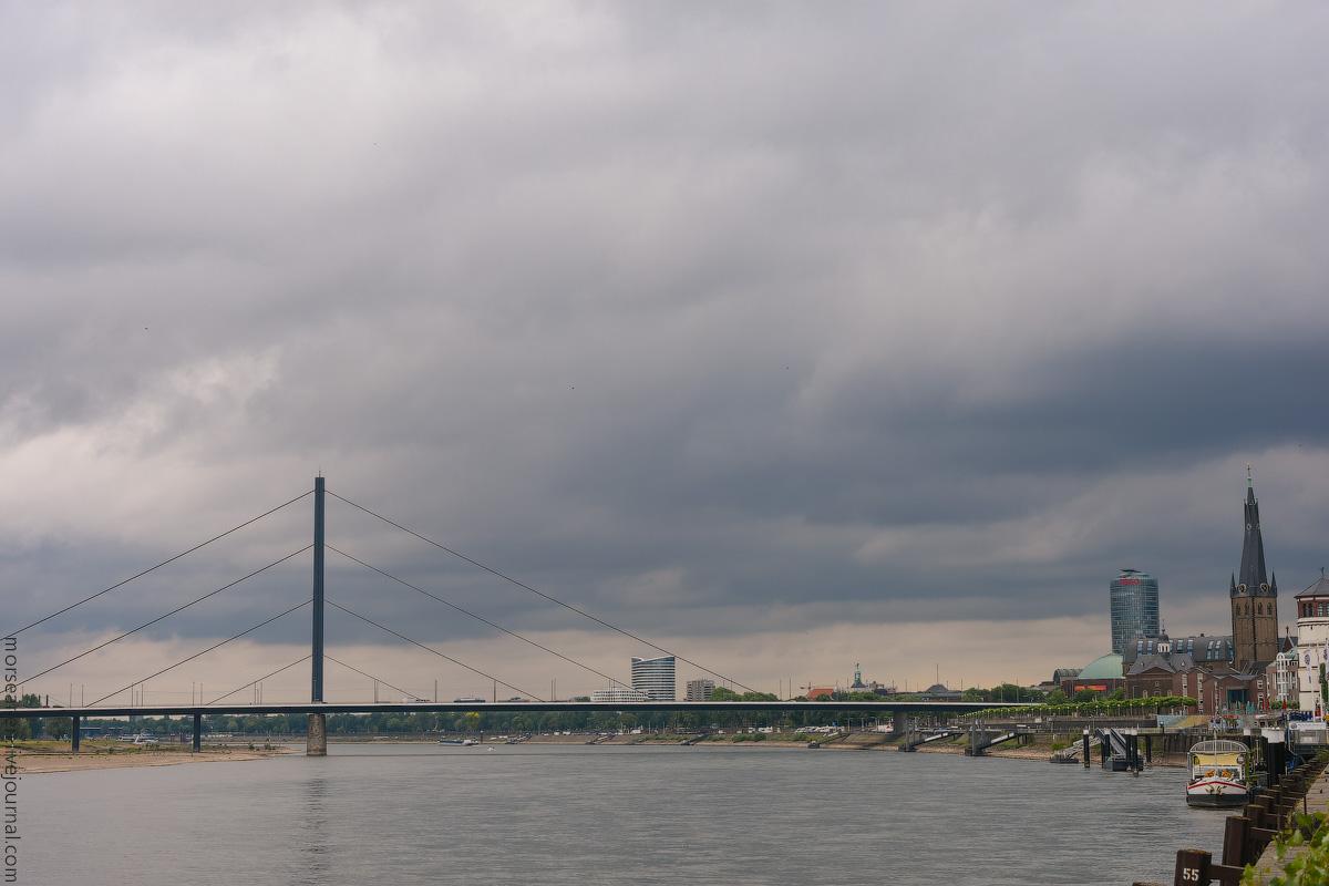 Duesseldorf-Rhein-(2)