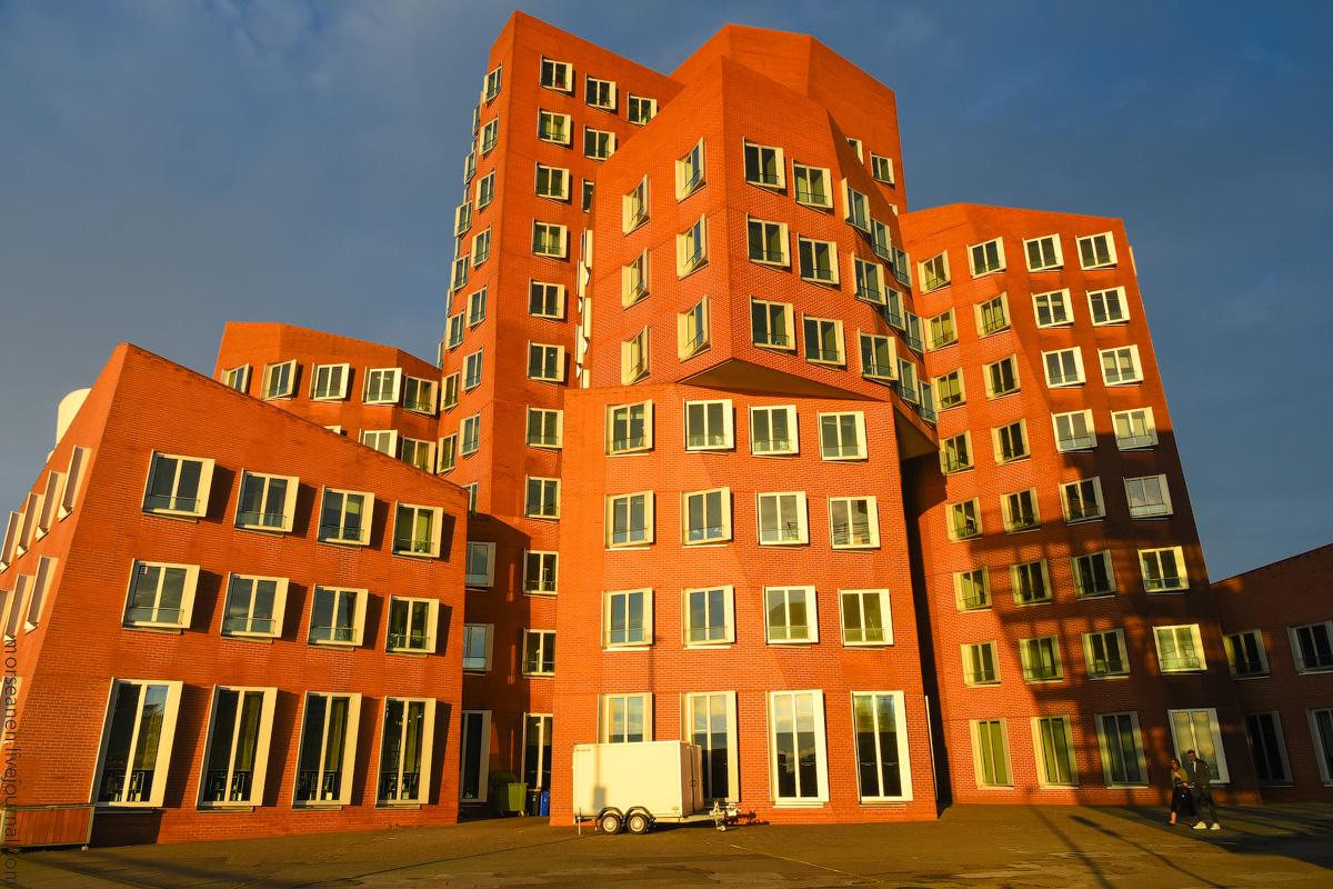 Duesseldorf-Mediahafen-(38)