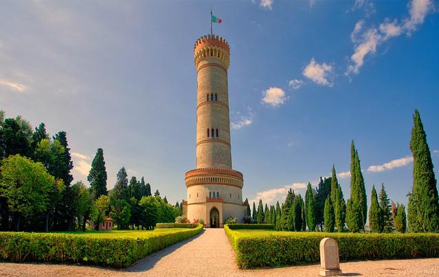 La torre monumentale di San Martino della Battaglia