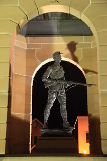 2010-07-06_1955-37a War Memorial at Bathurst | by gunzel412
