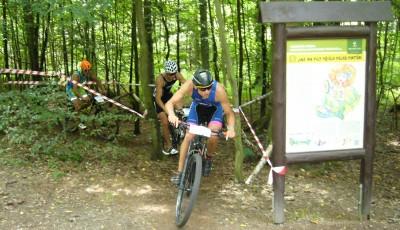 Hradecký terénní triatlon v neděli 26. července, obhajovat bude Bednarský