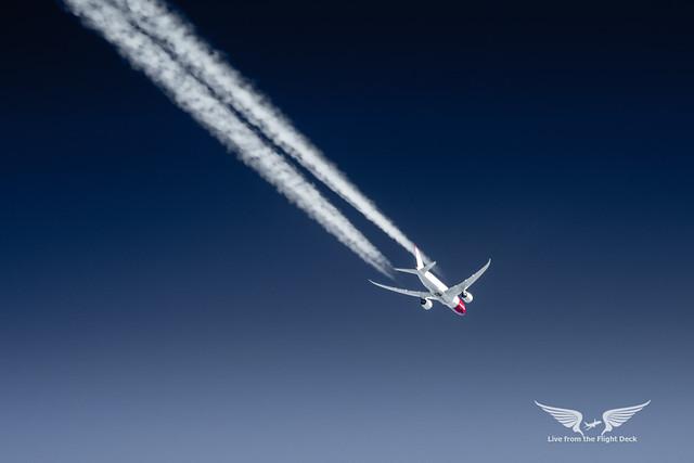 Boeing 787 2,000 feet above us
