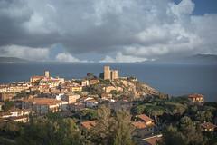 Il borgo marinaro di Talamone - The seaside village of Talamone
