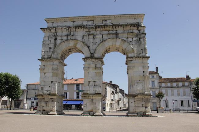 que-visiter-ville-saintes-charente-maritime-que-faire-escapade-decouvrir-city-guide-city-break-tourisme-blog-mode-la-rochelle-14