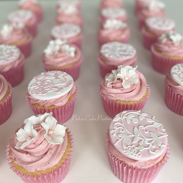 Blossoms & Lace Cupcakes