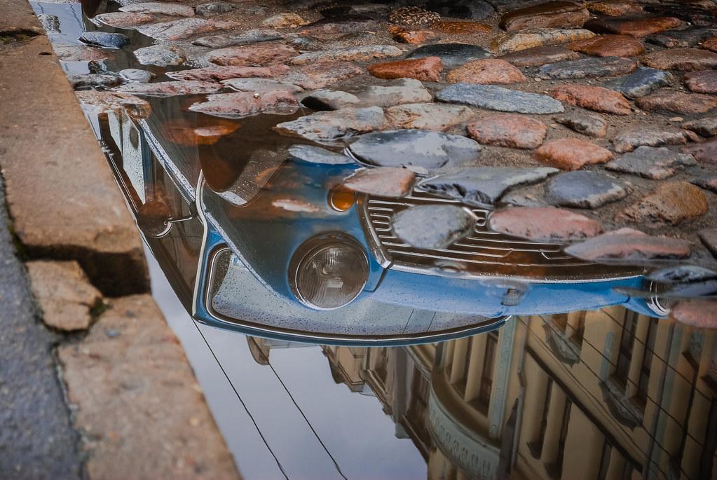 Austin Mini  Nice reflection! 14:25:55 DSC_6605