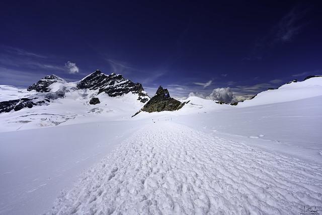 Snow hiking in summer - Jungfraujoch - Wallis - Switzerland