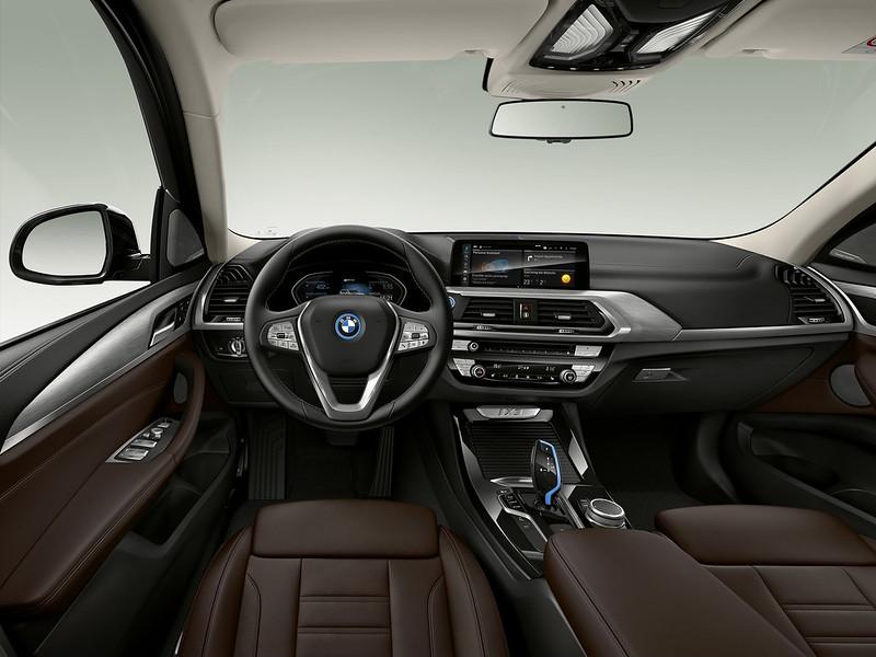 2021-BMW-iX3-82