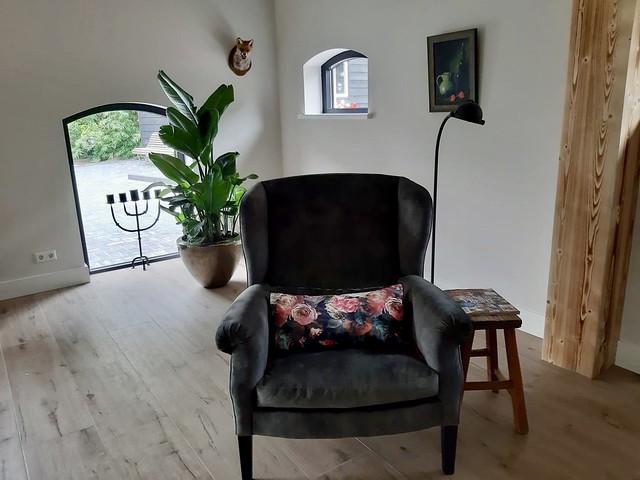 Boograam zwarte fauteuil landelijke stijl
