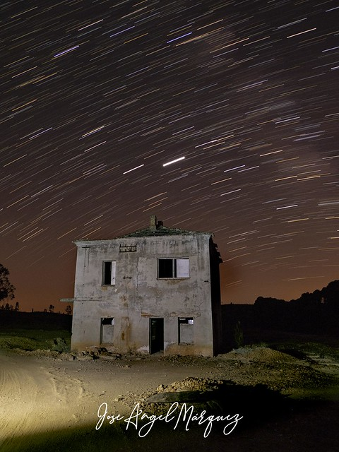 Trazos de estrellas. La Zarza (Huelva).