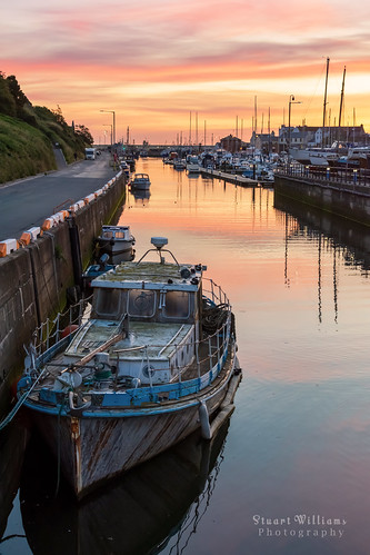 isle man peel harbour boat sunrise dawn coast