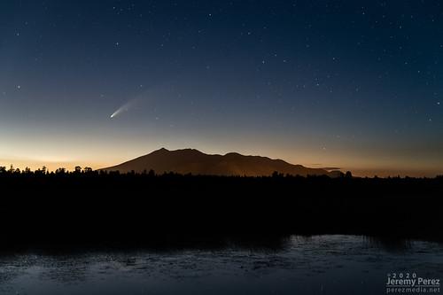 arizona c2020f3neowise flagstaff marshalllake sanfranciscopeaks astronomy astrophotography comet nightscape