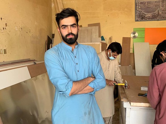 5683 Pakistani carpenter in KSA becomes model with viral pictures