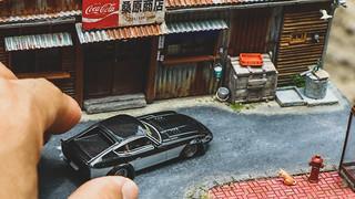 台南超夯景點變成掌中迷你尺寸!台灣玩家逼真還原「桑原商店」昭和風復古老屋 1/64微縮場景模型