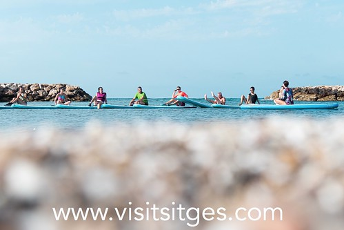 Sup Yoga Platja Anquines amb Nootka Kayak