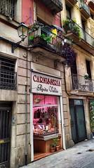 Barcelona. Calle Sant Pere Més Baix. Las tiendas del barrio. Old Town.