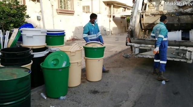 5684 Saudi Police raided an alcohol factory in Jeddah 01