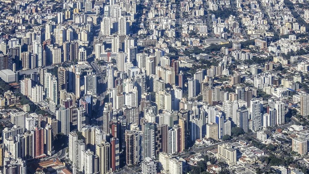 Vista parcial de Curitiba (série com 4 fotos)