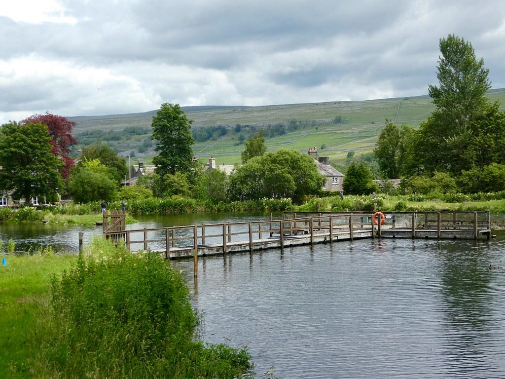 Kilnsey Trout Farm Fishing Lakes