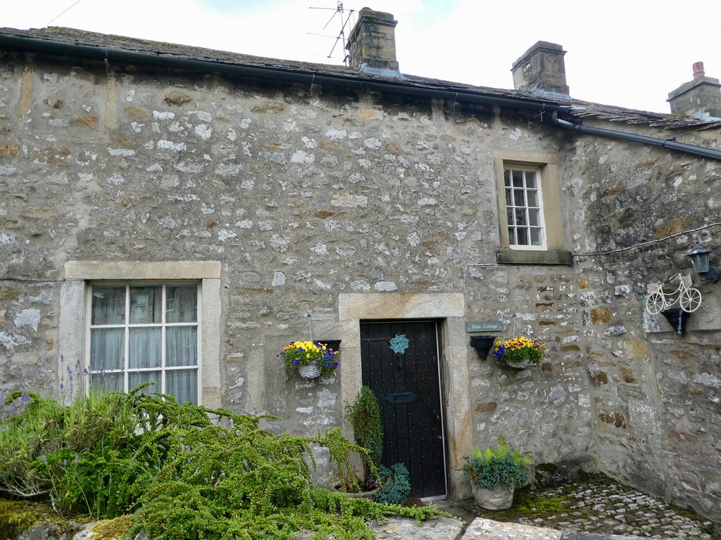 Old stone cottage Kettlewell