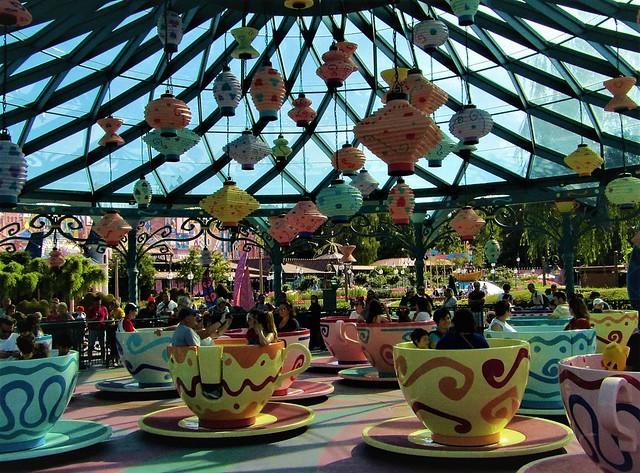 Mad Hatter's Tea Cups at Disneyland Paris