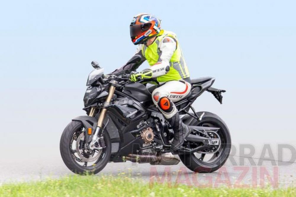 BMW S1000R 2021 Spyshots 2
