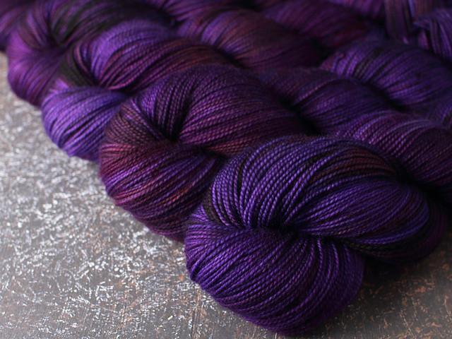 Favourite Sock – pure Merino 4 ply/fingering weight wool superwash hand dyed yarn 100g – 'Jinx'