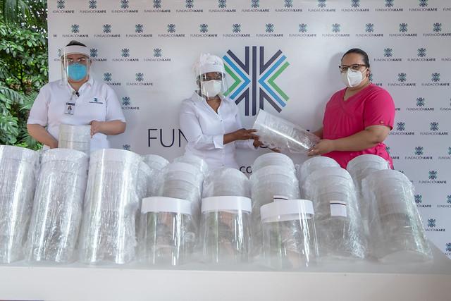 Donación de materiales de bioseguridad a cinco centros asistenciales.