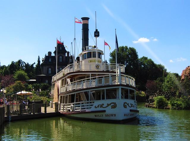Thunder Mesa Riverboat Landing at Disneyland Paris