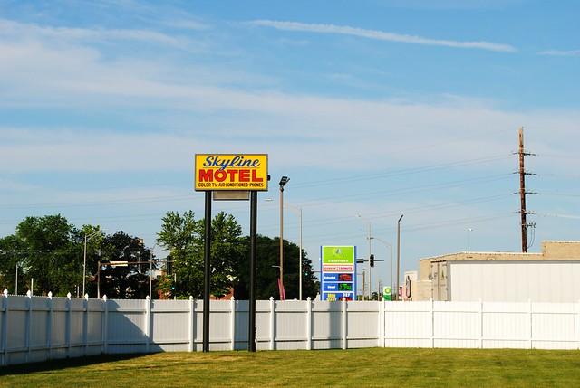 Skyline Motel - McCook, Illinois