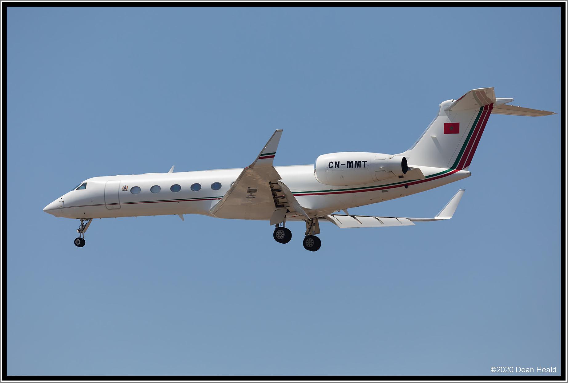 FRA: Avions VIP, Liaison & ECM - Page 24 50121713041_d08ee4b212_k