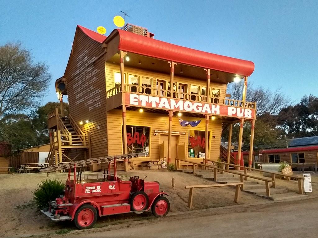 Ettamogah Pub, Tabletop NSW. (c) Roderick Eime 2020