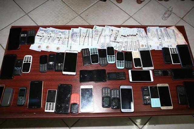 5685 A gang arrested for SMS fraud in Riyadh (2)