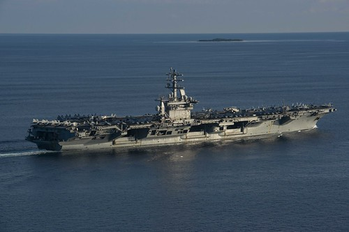 USS Nimitz (CVN 68) transits the Balabac Strait. | by Official U.S. Navy Imagery