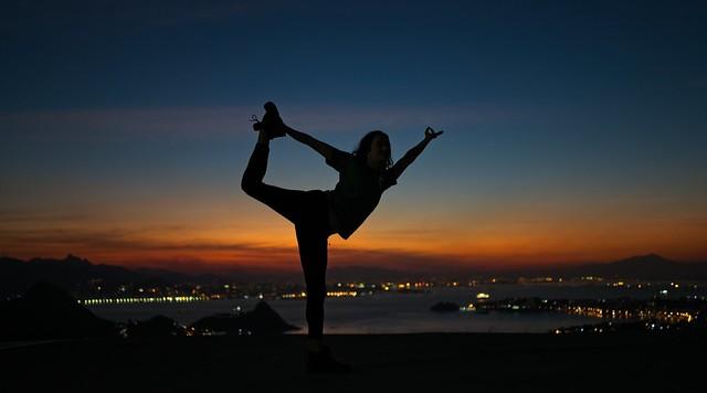 Yoga no por do sol