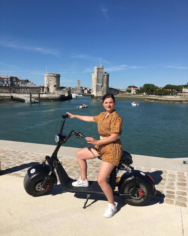 Visite touristique insolite à La Rochelle en trotti-scoot électrique avec Osez 17