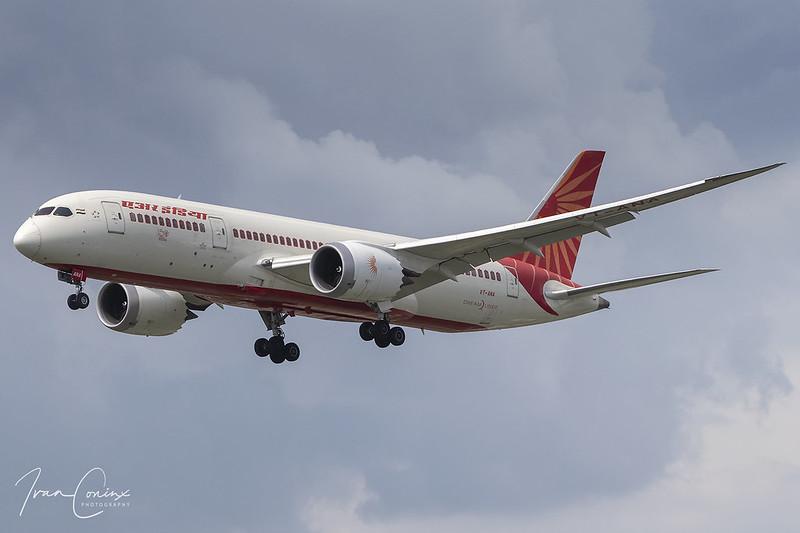 Boeing 787-8 Dreamliner – Air India – VT-ANA – Brussels Airport (BRU EBBR) – 2020 06 15 – Landing RWY 25R – 02 – Copyright © 2020 Ivan Coninx