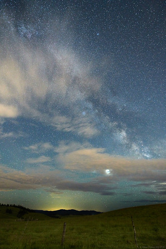 kamloops britishcolumbia canada astrophotography milkyway galaxy clouds nightphotograpy night sky longexposure landscape moody farmland cows cattle stars ranch ranchland
