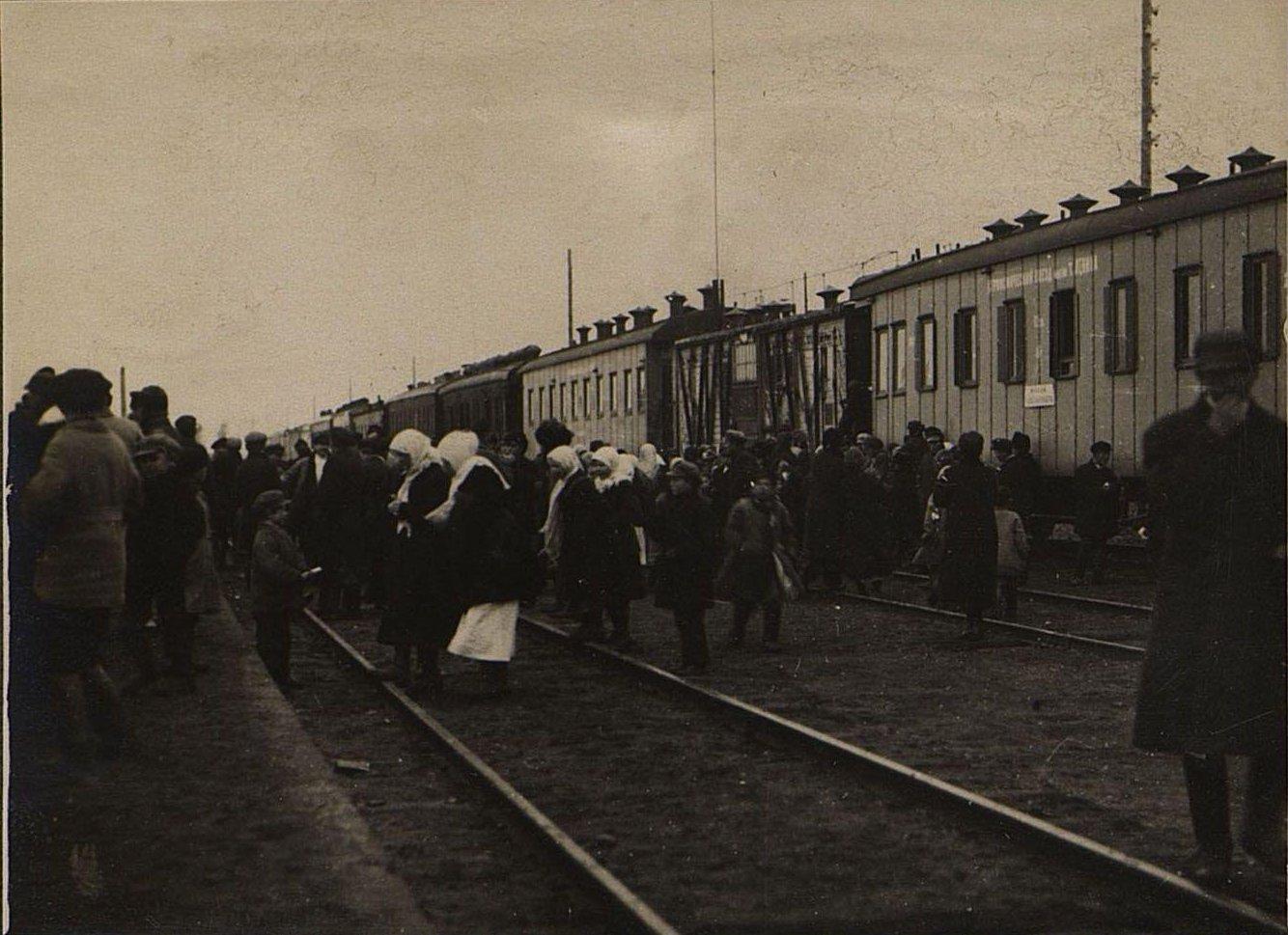 Агрономический поезд. Посетители
