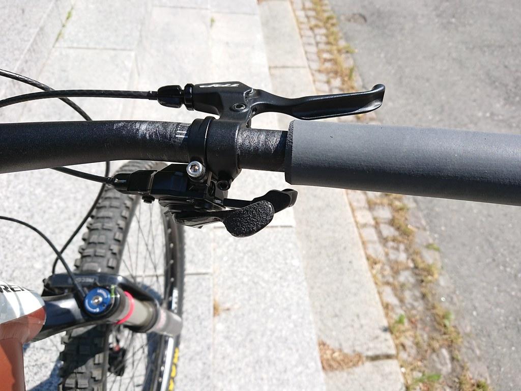 Shimano XT M8000 shifter
